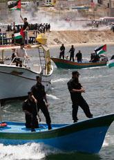 Hit skulle hjälp-fartygen med hjälp till Gaza. Men Israel stoppade fartygen. Foto: Hatem Moussa/Scanpix