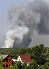 Det brinner utanför staden Voronezh 50 mil från Moskva. Foto: Michail Metzel/Scanpix