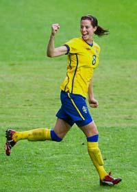 Lotta Schelin jublar över mål mot Danmark. Foto: Björn Larsson Rosvall/Scanpix