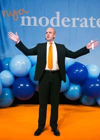 Fredrik Reinfeld talar på moderaternas valvaka. Foto: Henrik Montgomery/Scanpix