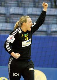 Cecilia Skagerstam jublar efter segern. Hon gjorde en jättematch i målet. Foto: Gorm Kallestad/Scanpix