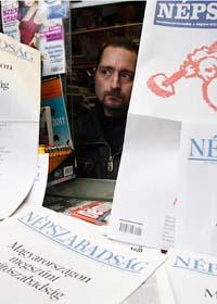 Många protesterar mot den nya lagen för tidningar, radio och tv i Ungern. Foto: Scanpix