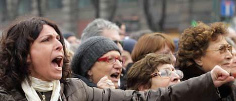 Många kvinnor protesterade mot Italiens ledare Silvio Berlusconi. Foto: Luca Bruno/Scanpix