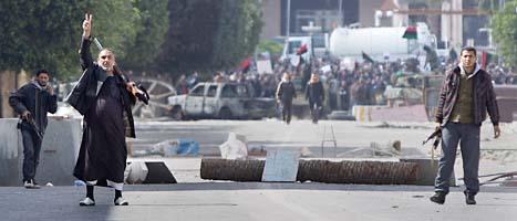Protesterna mot Gaddafi fortsätter. Foto: Ben Curtis/Scanpix