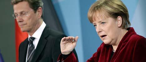 Tyskland stoppar sina gamla kärnkraftverk i tre månader, säger landets ledare Angela Merkel. Foto: Michael Sohn/Scanpix