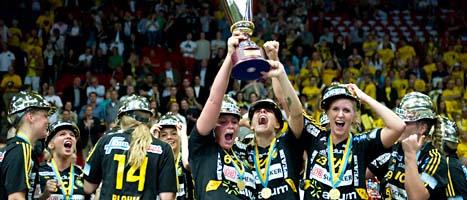 Sävehofs damer jublar över SM-guld. Foto: Björn Larsson Rosvall/Scanpix