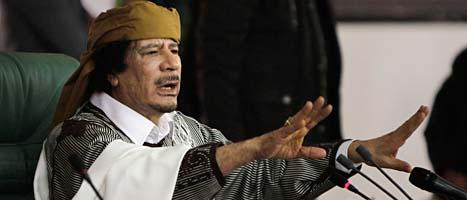 Muammar Gaddafi under ett av sina tal i huvudstaden Tripoli. Foto: Ben Curtis/Scanpix