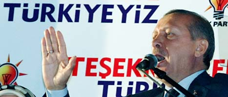 Turkiets premiärminister Recep Tayyip Erdogan och hans parti  vann valet i Turkiet. Foto: Brhan Ozbilici/Scanpix