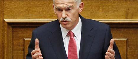 Greklands premiärminister George Papandreou och hans regering  har stöd i Greklands riksdag. Det ökar chansen att rädda Grekland  från konkurs.