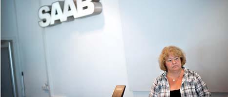Anette Hellgren är ordförande för föreningen som Saabs anställda är medlemmar i. Hellgren säger att Saab måste få fram pengar till lönerna om en vecka, annars kommer föreningen begära att Saab går i konkurs. FOTO: Björn Larsson Rosvall/Scanpix