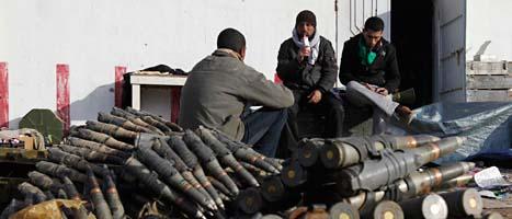 Rebellerna har bildat regeringen NTC, som över 30 länder räknar som Libyens riktiga regering. FOTO: Hussein Malla/Scanpix