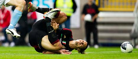 Zlatan är skadad. Foto. Andreas Hillgren/Scanpix