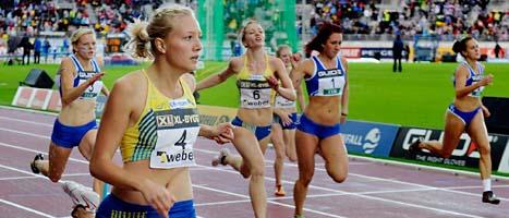 Moa Hjelmer vann 200 meter i Finnkampen. Foto: Jessica Gow/Scanpix