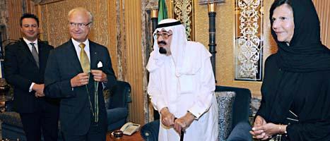 Kungen och Silvia tillsammans med diktatorn Abdullah. Foto. AP/Scanpix