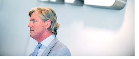 Saabs ägare Victor Muller är bekymrad. GM kan stoppa Saabs affär  med Kina. Foto: Björn Larsson Rosvall