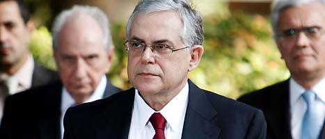 Lucas Papademos blir ledare för Greklands regering. Foto: Thanassis Stavrakis/Scanpix