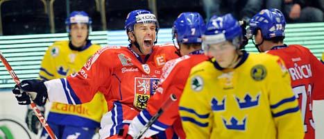 Petr Nedved jublar efter ett av sina mål mot SVerige. Foto: Håkan Nordström/Scanpix