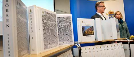 Utredningen om gängkriget i Södertälje tar mycket plats. Det handlar om tio tusen sidor. Här berättar åklagarna om åtalen. Foto: Anders Wiklund/Scanpix