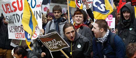 Demonstrationer i London. Foto: Lefteris Pitarakis/AP/Scanpix