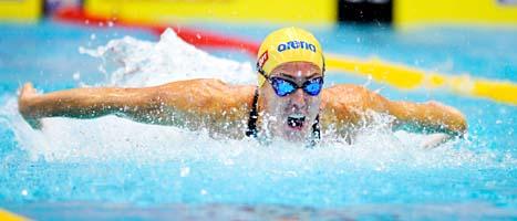 Therese Alshammar när hon vinner 100 meter fjäril i världscupen i oktober i år. Foto: Jessica Gow/Scanpix