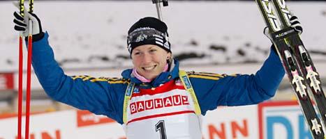 Helena Ekholm är glad över sin andraplats i distansloppet. FOTO: Petr David Josek/SCANPIX