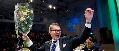 Göran Hägglund får fortsätta som ledare för Kristdemokraterna. Foto: Fredrik Sandberg/Scanpix