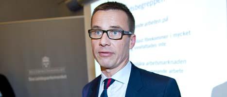 Ministern Ulf Kristersson får hård kritik för att han struntat i att  följa riksdagens beslut. Foto: Bertil Ericson/Scanpix