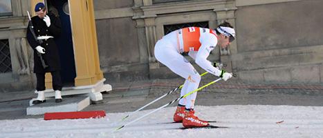 Teodor Peterson orkade inte följa när norrmannen Brandsdal satte fart. Foto: Jens Lestrade/Scanpix
