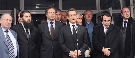 Nicolas Sarkozy lovar att mördaren ska gripas. Foto: Scanpix