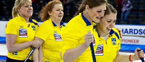 Det blev VM-silver för svenskorna. Schweiz vann guldet. Foto: Andrew Vaughan/Scanpix