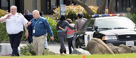 En man började plötsligt skjuta på en skola i Oakland i Kalifornien. Foto: Noah Berger/Scanpix.