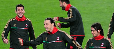 Zlatan och hans lagkamrater ska försöka vinna mot Barcelona. Foto: Manu Fernandez/Scanpix