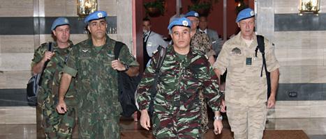 FNs kontrollanter kommer till Syrien. Foto: Bassem Tellawi/Scanpix