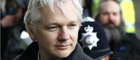 Julian Assange tvingas komma till Sverige för att bli förhörd om två misstänkta sexbrott. Foto: Kirsty Wigglesworth/Scanpix