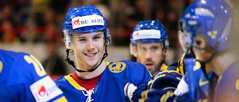 Erik Karlsson gjorde ett av målen när Sverige vann mot Tyskland. Foto: Claudio Bresciani/Scanpix