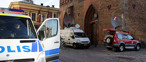 Polisen bevakar vid domstolen i Malmö. Foto: Drago Pruvolic/Scanpix.