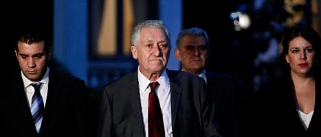 Besvikna grekiska politiker. Hittills har de inte lyckats bilda  någon ny regering som kan leda landet ur krisen. Foto: Petros Giannakouris/Scanpix