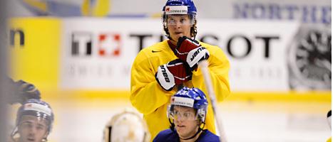 Nicklas Bäckström vill gärna vinna VM-guld med Tre kronor. Foto: Claudio Bresciani/Scanpix
