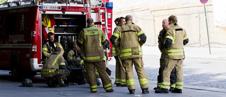 Norsk räddningspersonal gör sig redo. De trodde att det kunde vara en ny terrorattack i huvudstaden. FOTO: Berit Roald/SCANPIX