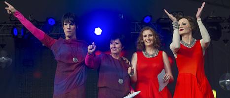 Socialdemokraternas förra ledare Mona Sahlin och EU-minister Birgitta Ohlsson var med och talade när Pride öppnades. FOTO: Leif R Jansson/SCANPIX