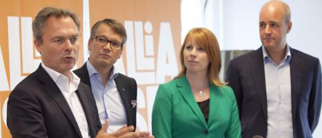 Partiledarna i Alliansen vill ge fler unga jobb och utbildning. Foto: Drago Prulovic/Scanpix