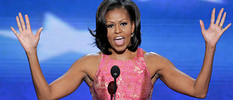 Presidentens fru Michelle Obama håller tal på Demokraternas möte. Foto: Scott Appelwhite/Scanpix
