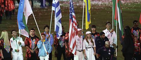 Några av de amerikanska idrottarna vid avslutningen av Paralympics. Foto:Lefteris Pitarakis/Scanpix