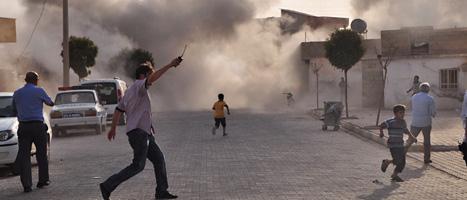 Fem människor dödades när syriska soldater sköt granater mot en stad i Turkiet. Foto: Anatolia/AP/Scanpix