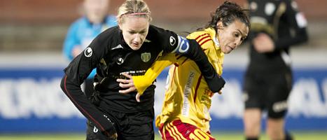 Stina Segerström i Göteborg i kamp med Marta i Tyresö. Foto: Björn Larsson Rosvall/Scanpix.