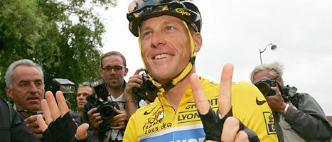 Cyklisten Lance Armstrong får aldrig tävla mer och han måste lämna tillbaka alla pris han har vunnit. Foto: Alessandro Trovati/Scanpix.