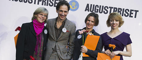 David Lagercrantz tillsammans med några andra av dem som tävlar om Augustpriset i fackboks-gruppen. Foto: Alessandro Trovati/Scanpix.