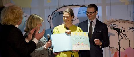 Victoria och Daniel invigde ett nytt kulturhus för barn. Foto: Adam Ihse/Scanpix.