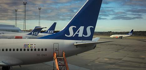 Flygbolaget SAS har nästan slut på pengar. Risken finns att företaget går i konkurs och måste stänga. Foto: Jonas Ekströmer/Scanpix