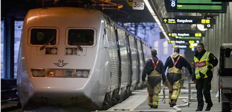 Ett tåg brann på Stockholms central i helgen. Foto: Bertil Enevåg/Scanpix